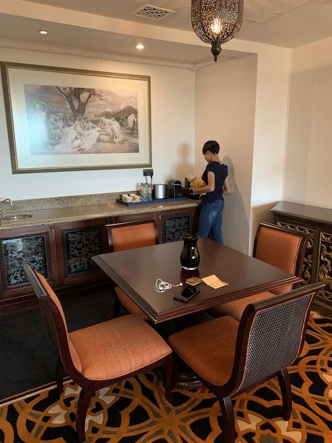 异彩纷呈的迪拜之行 - 第一天 - 新加坡飞迪拜+朱美拉皇宫酒店(妈妈的博客)-第18张图片-Celia的博客