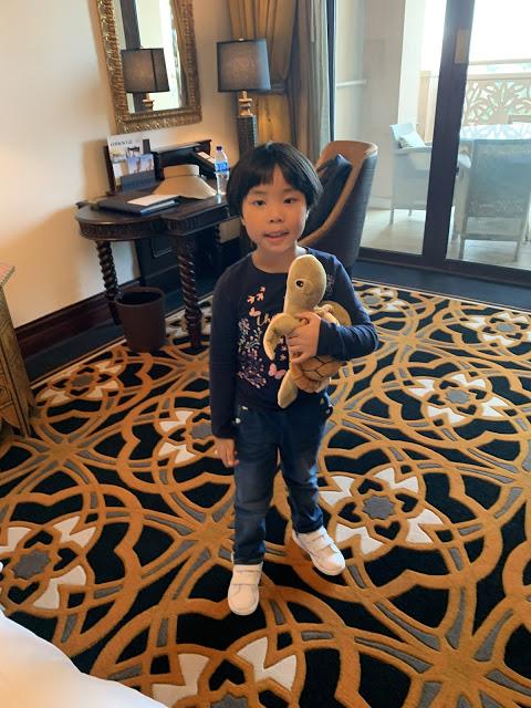 异彩纷呈的迪拜之行 - 第一天 - 新加坡飞迪拜+朱美拉皇宫酒店(妈妈的博客)-第19张图片-Celia的博客
