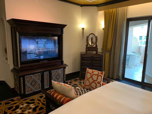 异彩纷呈的迪拜之行 - 第一天 - 新加坡飞迪拜+朱美拉皇宫酒店(妈妈的博客)-第21张图片-Celia的博客