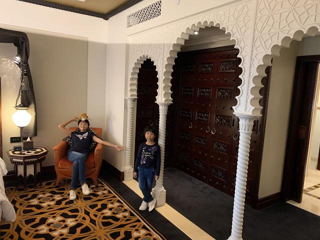 异彩纷呈的迪拜之行 - 第一天 - 新加坡飞迪拜+朱美拉皇宫酒店(妈妈的博客)-第22张图片-Celia的博客