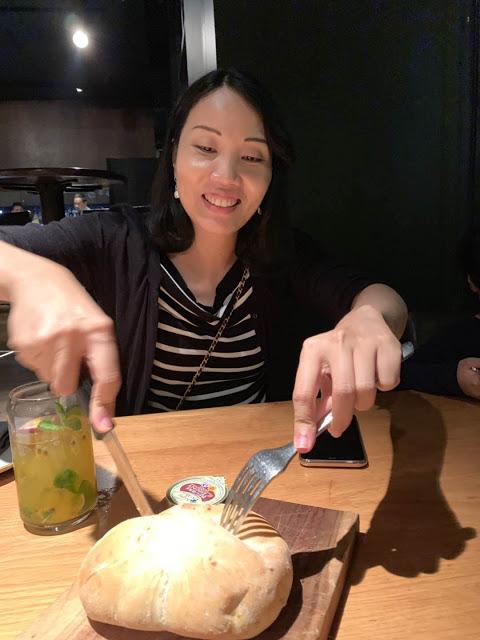 异彩纷呈的迪拜之行 - 第一天 - 新加坡飞迪拜+朱美拉皇宫酒店(妈妈的博客)-第34张图片-Celia的博客